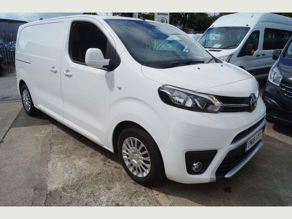 Toyota ProAce Panel Van 1.6D Comfort Medium Panel Van MWB EU6 (s/s) 6dr