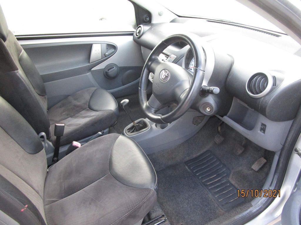 Toyota AYGO Hatchback 1.0 VVT-i Platinum 3dr