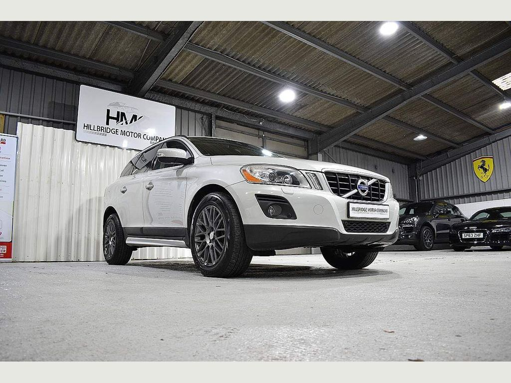 Volvo XC60 SUV 3.0 T6 SE Geartronic AWD 5dr