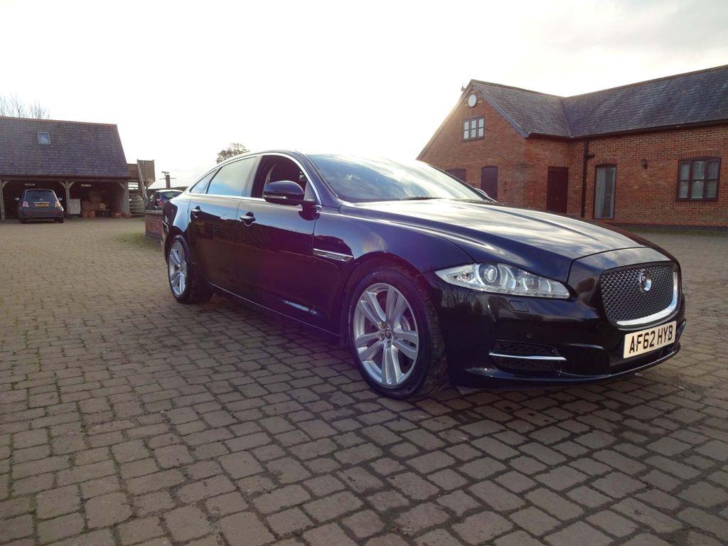 Jaguar XJ Saloon 3.0 TD V6 Premium Luxury LWB Saloon (s/s) 4dr