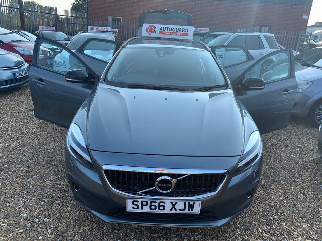 Volvo V40 Cross Country Hatchback 2.0 D2 Pro Cross Country Auto (s/s) 5dr