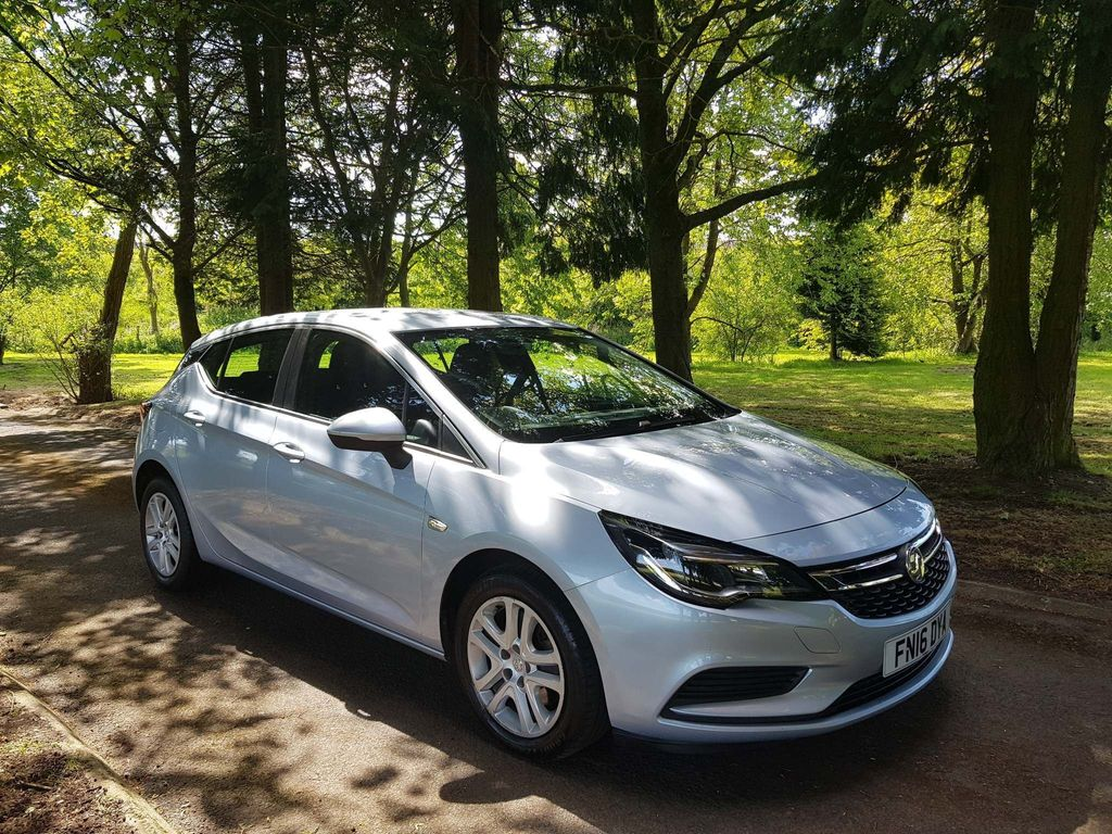 Vauxhall Astra Hatchback 1.6 CDTi ecoTEC BlueInjection Tech Line 5dr
