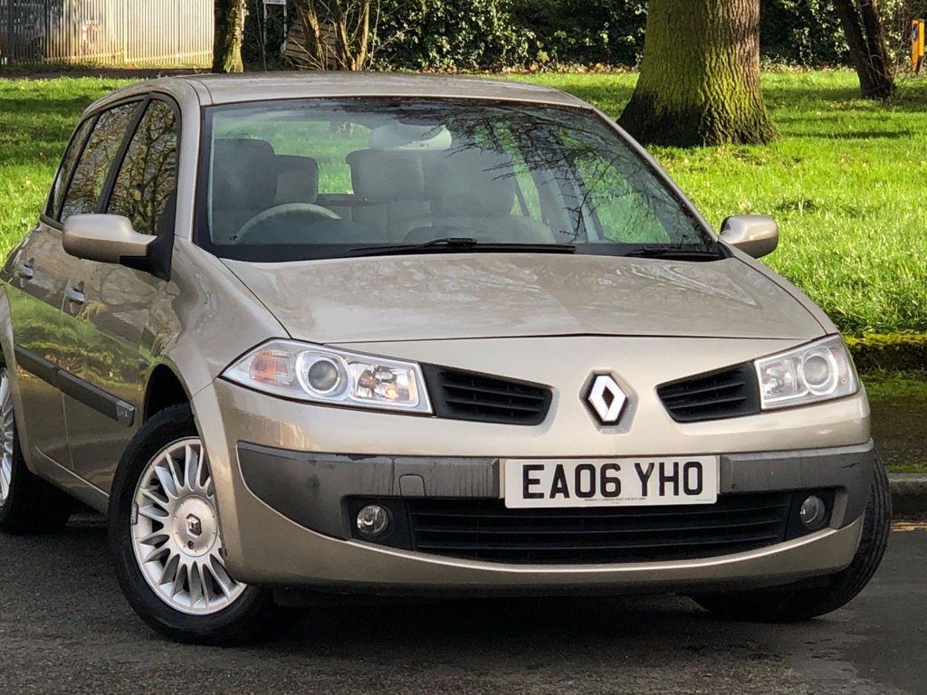 Renault Megane Hatchback 1.6 VVT Privilege Proactive 5dr