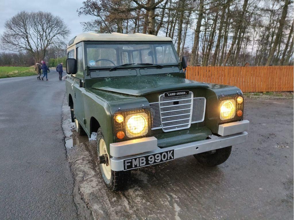 Land Rover Series III SUV 2.3 D 88 Station Wagon (7 Seats)
