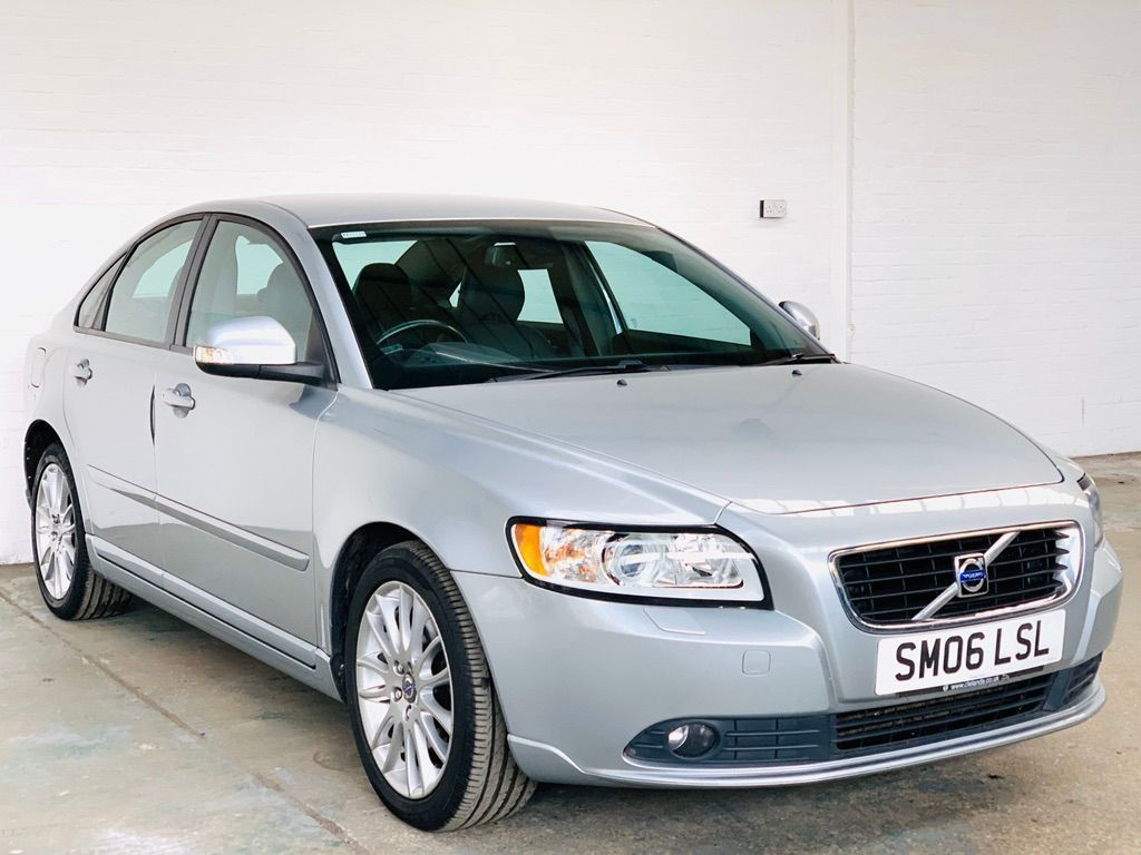 Volvo S40 Saloon 2.0 TD SE Lux Powershift 4dr