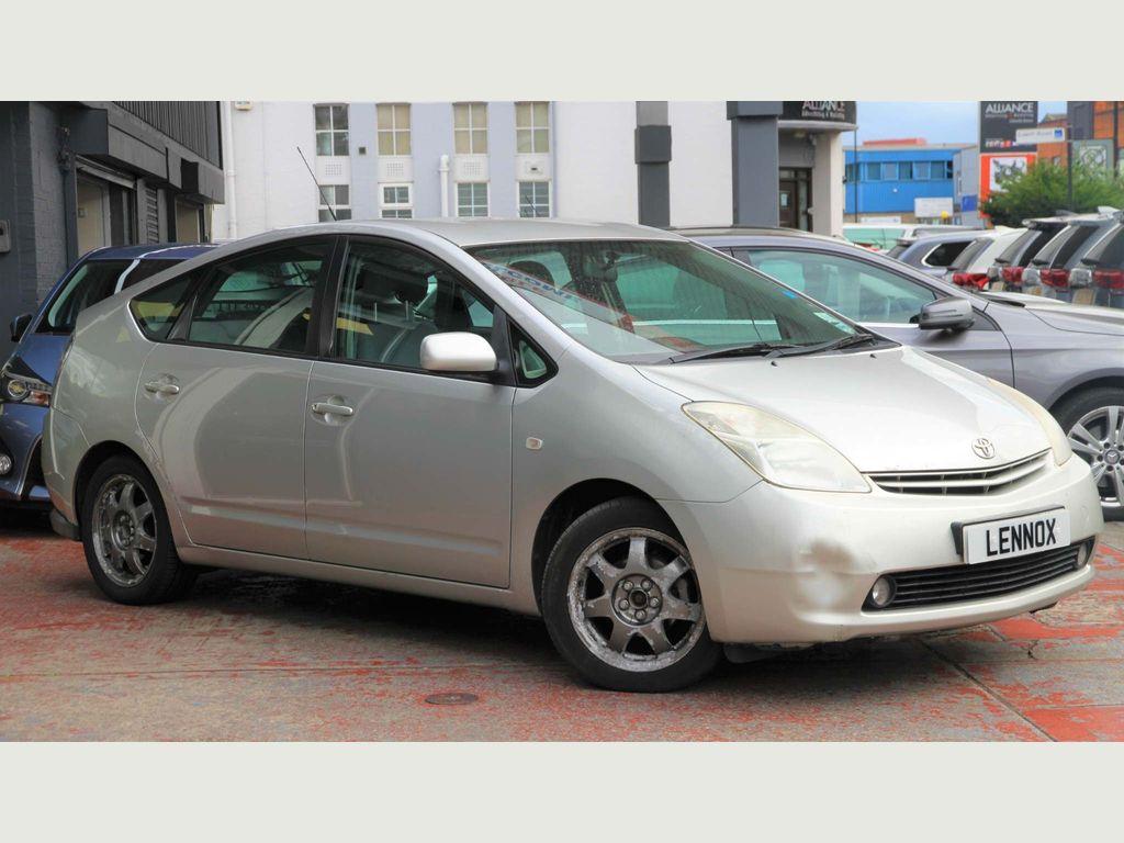 Toyota Prius Hatchback 1.5 T Spirit CVT 5dr