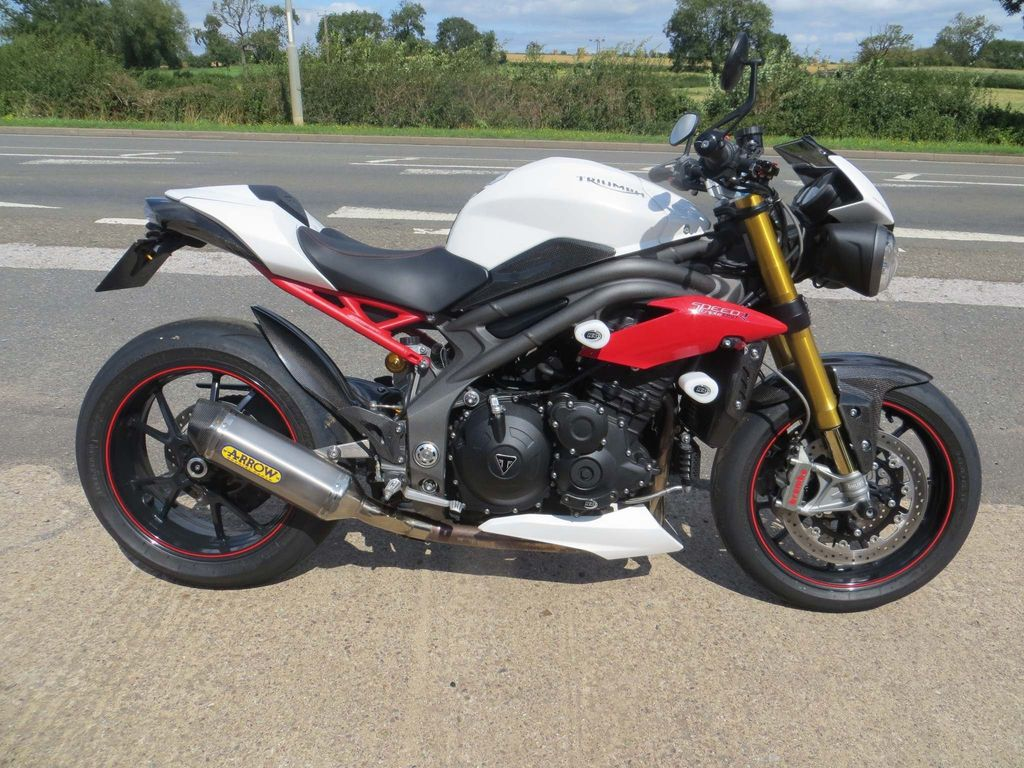 Triumph Speed Triple Naked 1050 R ABS