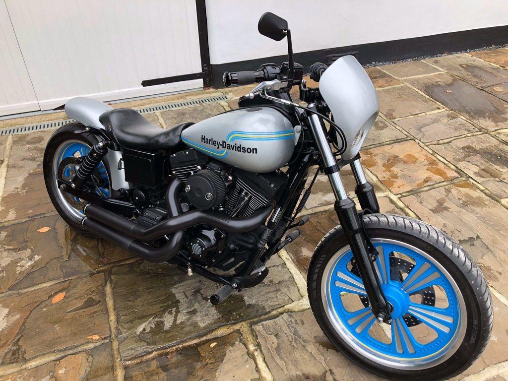 Harley-Davidson Dyna Custom Cruiser