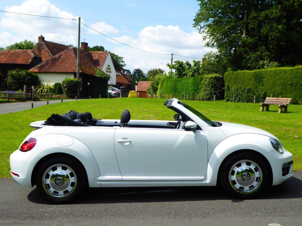 Volkswagen Beetle Convertible 1.4 TSI BlueMotion Tech Design Cabriolet (s/s) 2dr