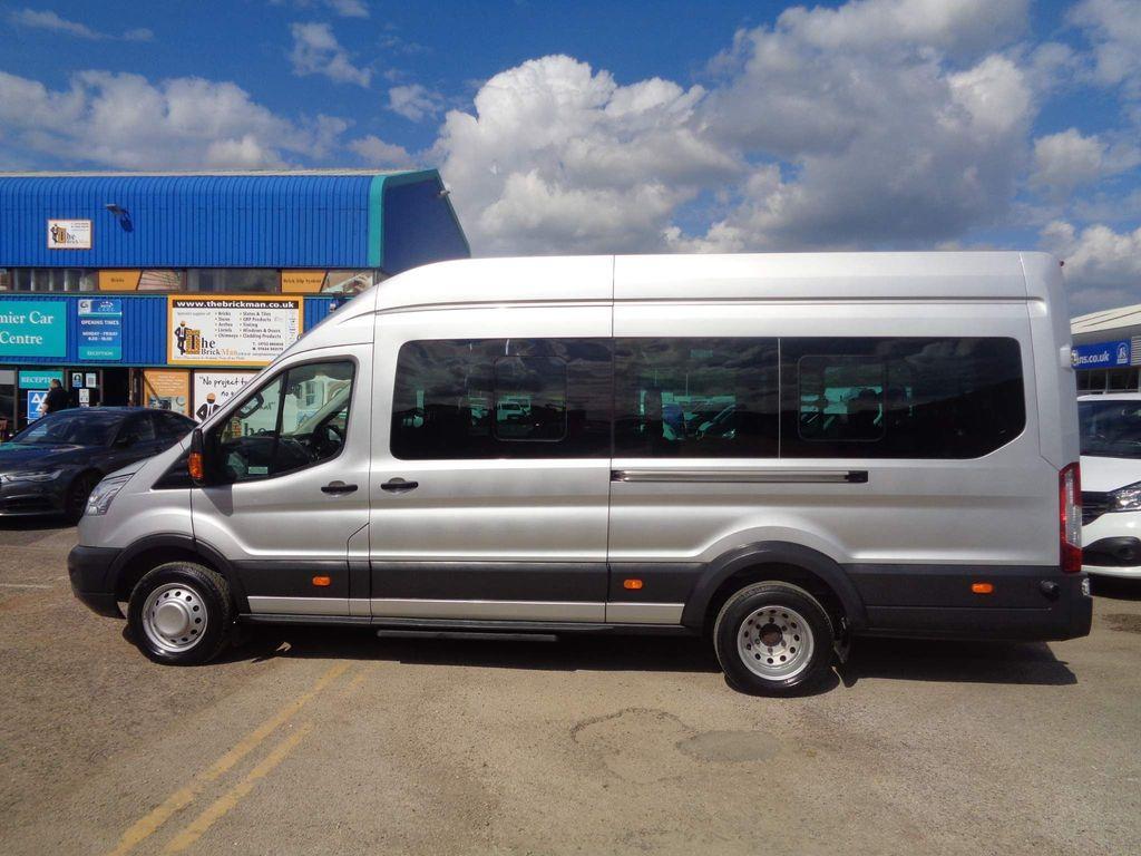 Ford Transit Minibus 2.2 TDCi 460 HDT Trend Bus L4 H3 4dr (17 Seat)