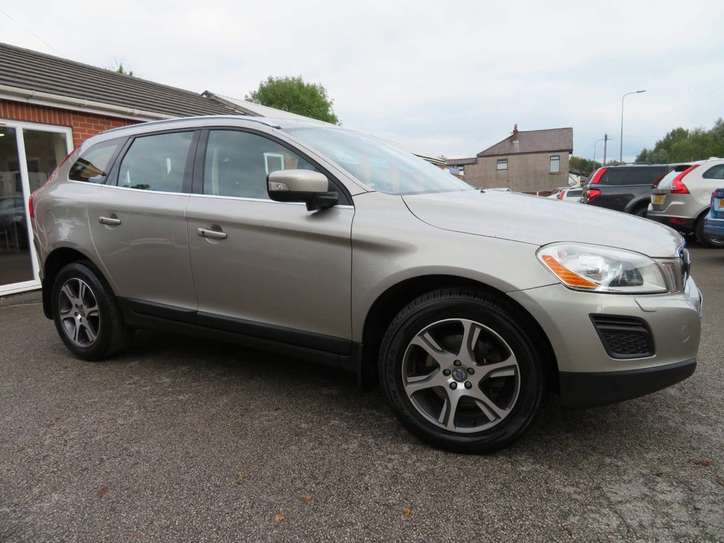 Volvo XC60 SUV 2.4 D5 SE Lux Premium Geartronic AWD 5dr