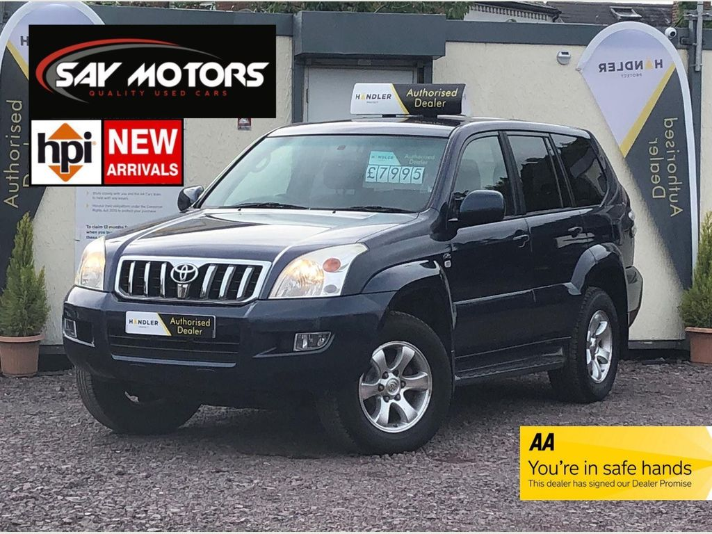 Toyota Land Cruiser SUV 3.0 D4-D LC3 Stationwagon - 8 Seater