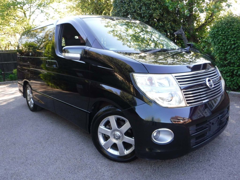 Nissan Elgrand SUV Highway Star 2.5 v6 Tiptronic 8 Seats