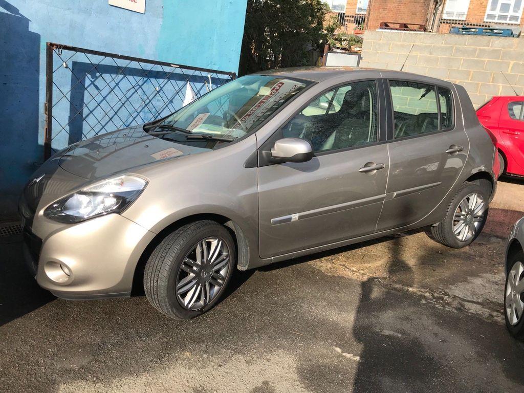 Renault Clio Hatchback 1.2 Dynamique TomTom 5dr