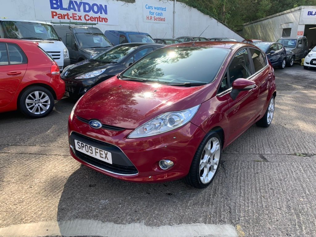 Ford Fiesta Hatchback 1.6 TITANIUM 5 DOOR PETROL HATCHBACK