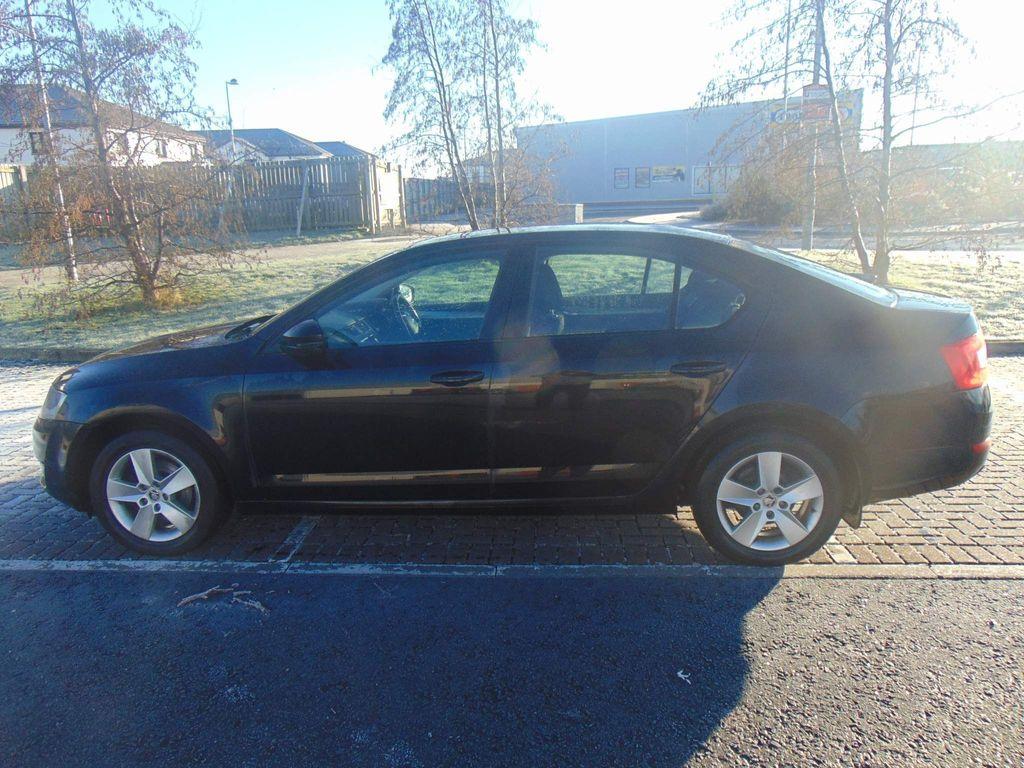 SKODA Octavia Hatchback 2.0 TDI CR DPF SE 5dr