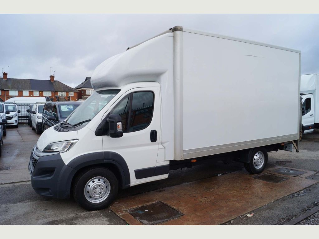 Citroen Relay Luton 2.2HDi 130 LUTON LWB WITH TAIL LIFT