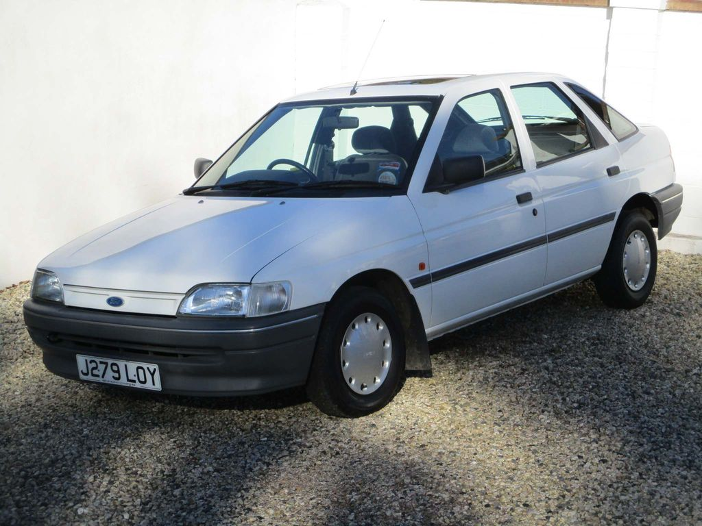 Ford Escort Hatchback 1.4 L 5dr