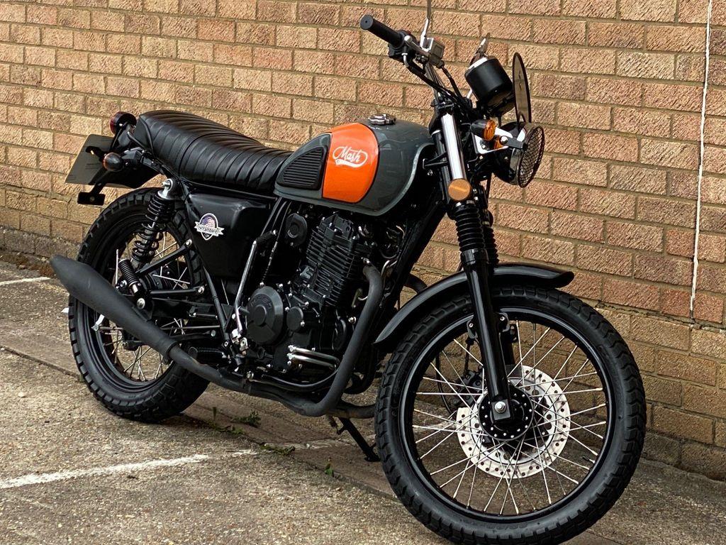 Mash Motorcycles Dirtstar Naked 400