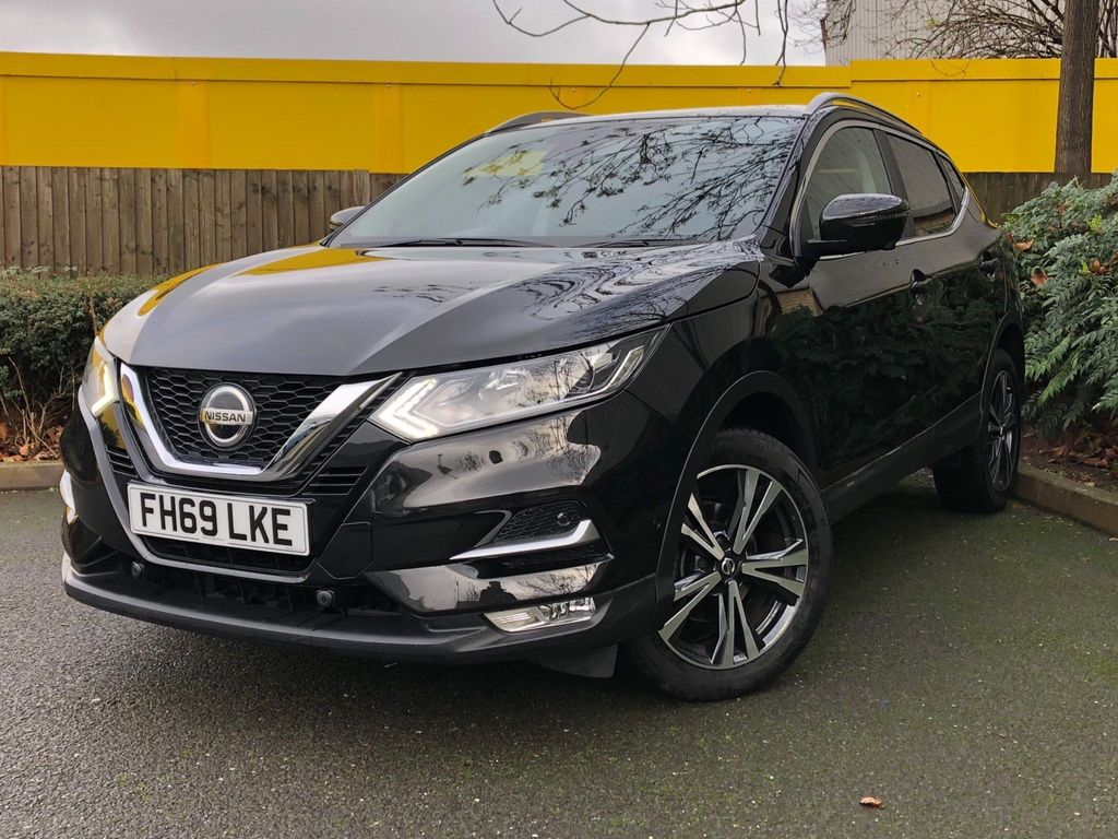 Nissan Qashqai SUV 1.3 DIG-T N-Connecta DCT Auto (s/s) 5dr