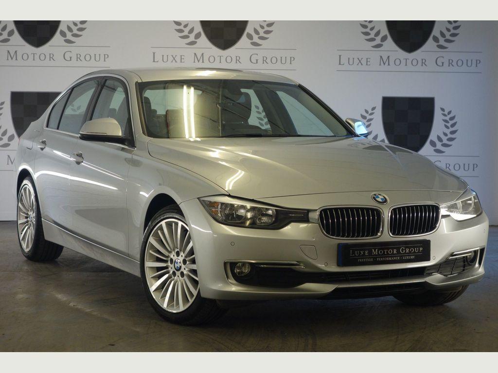 BMW 3 Series Saloon 2.0 320d Luxury xDrive (s/s) 4dr