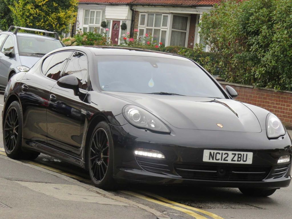 PORSCHE PANAMERA Hatchback {Edition unlisted}