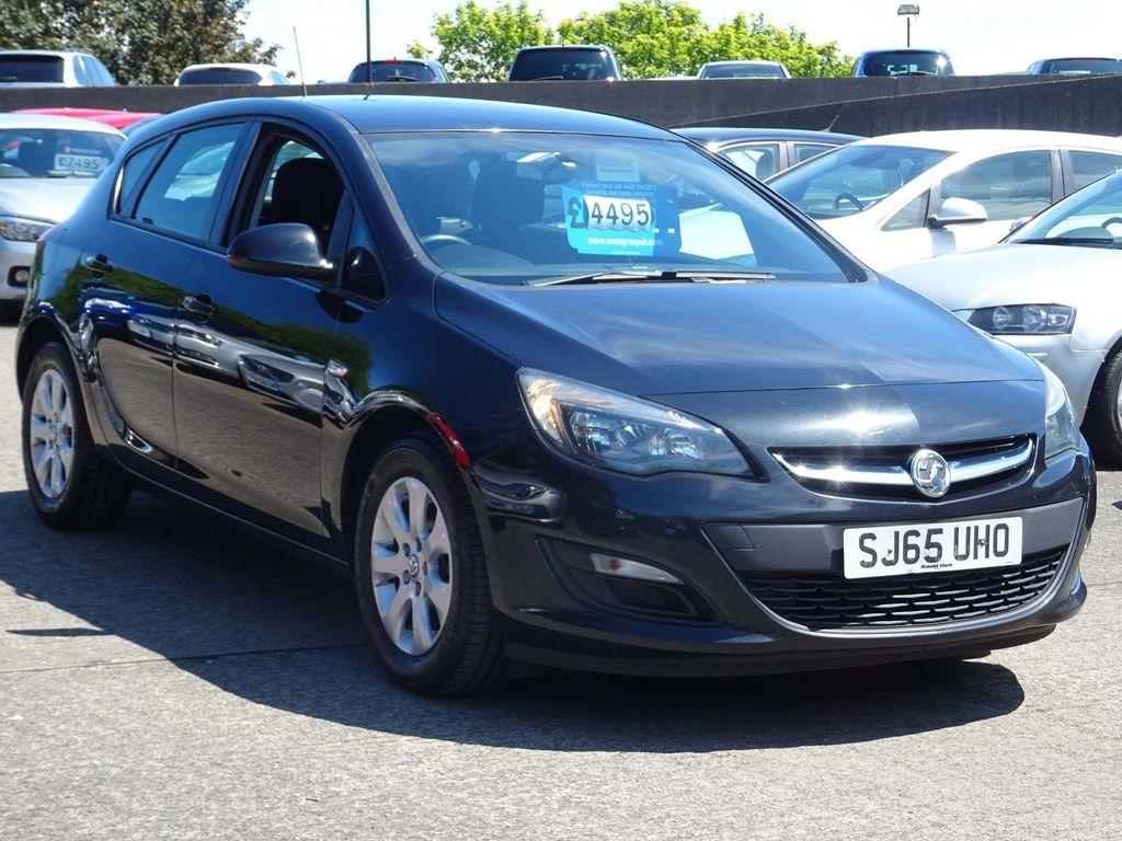 Vauxhall Astra Hatchback 1.6 CDTi ecoFLEX 94g Design (s/s) 5dr