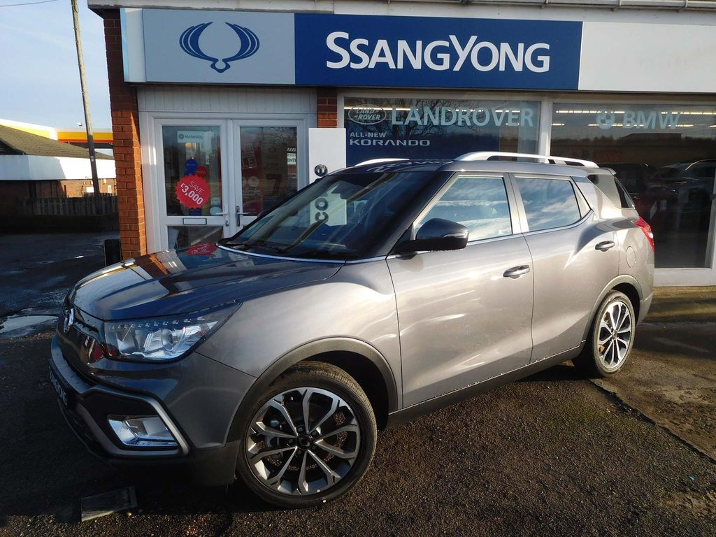 SsangYong Tivoli XLV SUV 1.6P Ultimate (s/s) 5dr