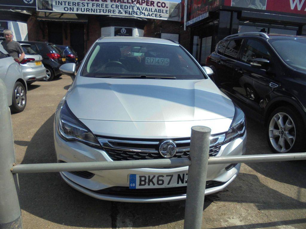 Vauxhall Astra Estate 1.6 CDTi ecoTEC BlueInjection Tech Line Nav Sports Tourer (s/s) 5dr