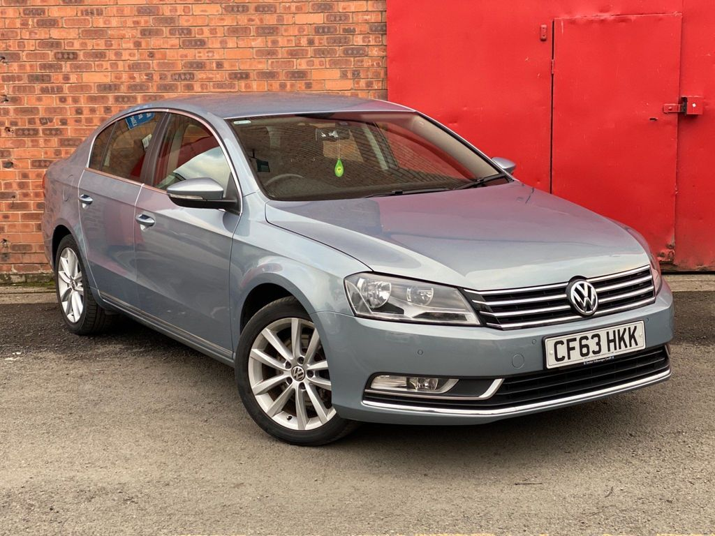 Volkswagen Passat Saloon 2.0 TDI BlueMotion Tech Executive 4dr