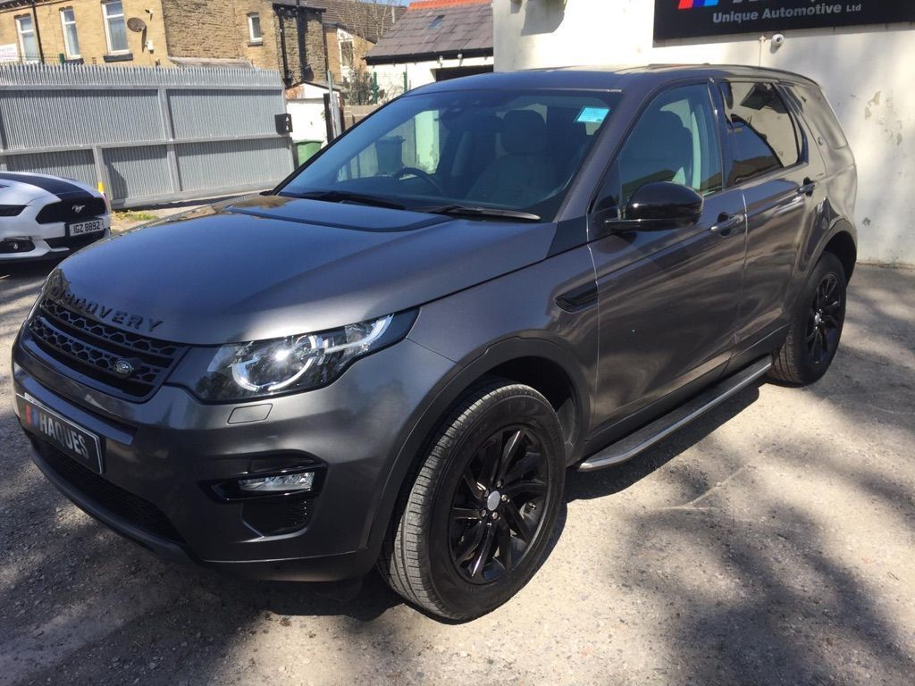 Land Rover Discovery Sport SUV 2.0 TD4 SE Tech Auto 4WD (s/s) 5dr 7 Seat