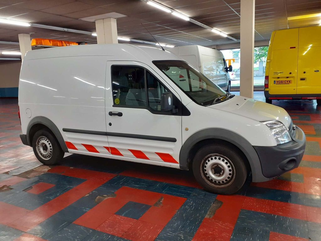 Ford Transit Connect Panel Van 1.8 TDCi T230 Hi Roof LWB 5 Doors