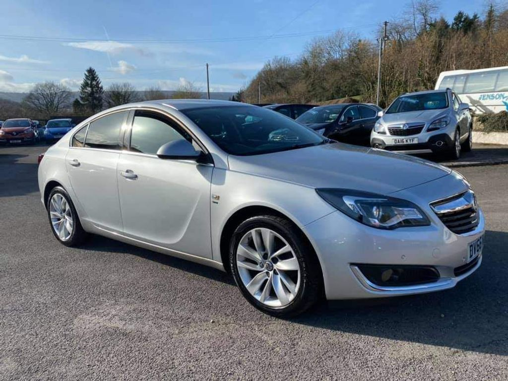 Vauxhall Insignia Hatchback 1.4 i 16v Turbo SRi Nav (s/s) 5dr