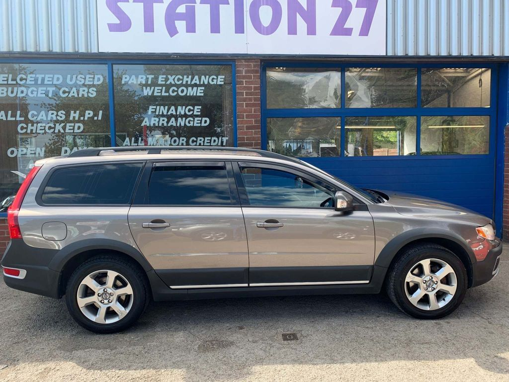 Volvo XC70 Estate 2.4 D5 SE Geartronic 5dr