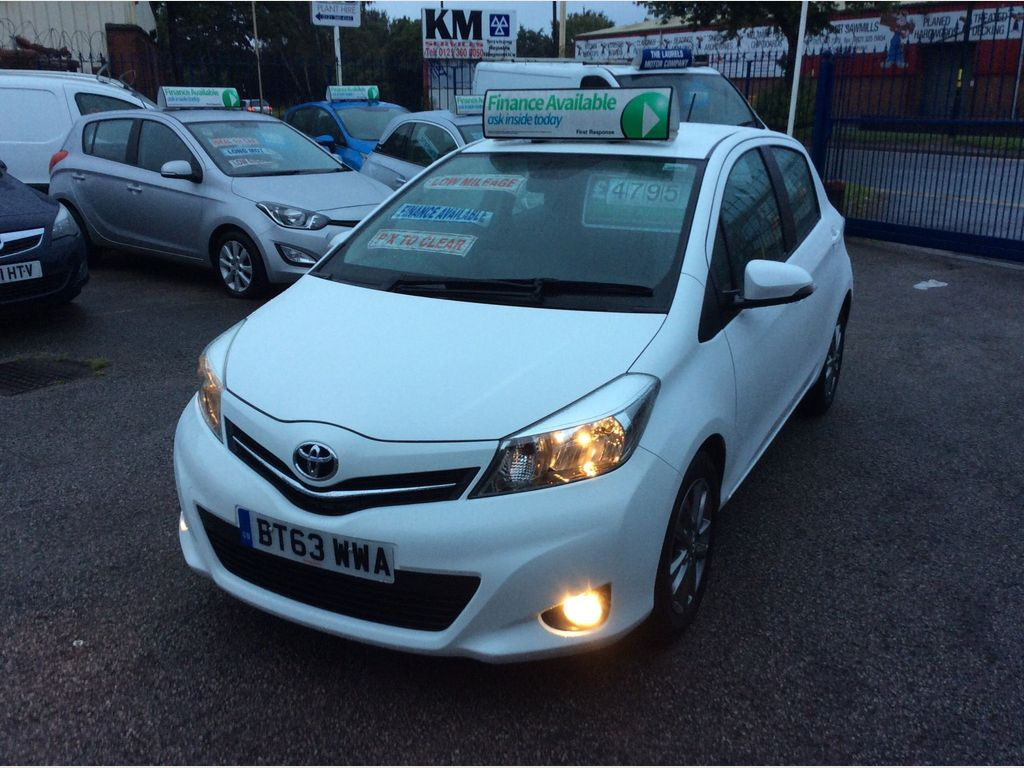 TOYOTA YARIS Hatchback 1.4 D-4D Icon+ 5dr