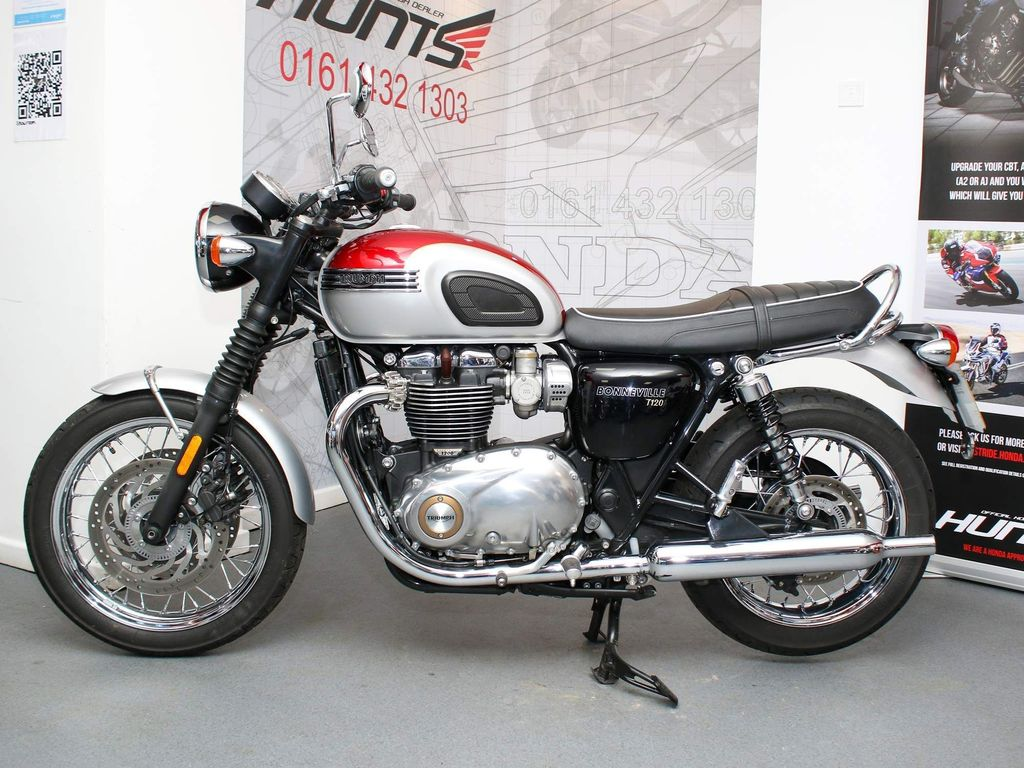 Triumph Bonneville T120 Naked 1200 T120