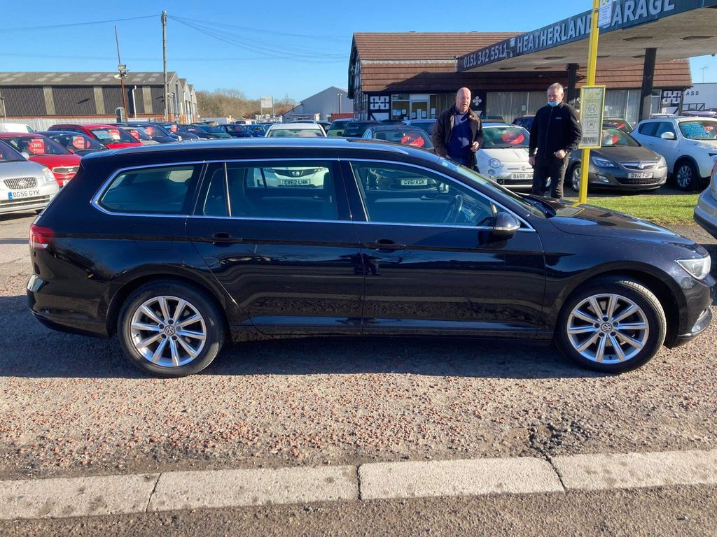 Volkswagen Passat Estate 2.0 TDI BlueMotion Tech SE DSG (s/s) 5dr