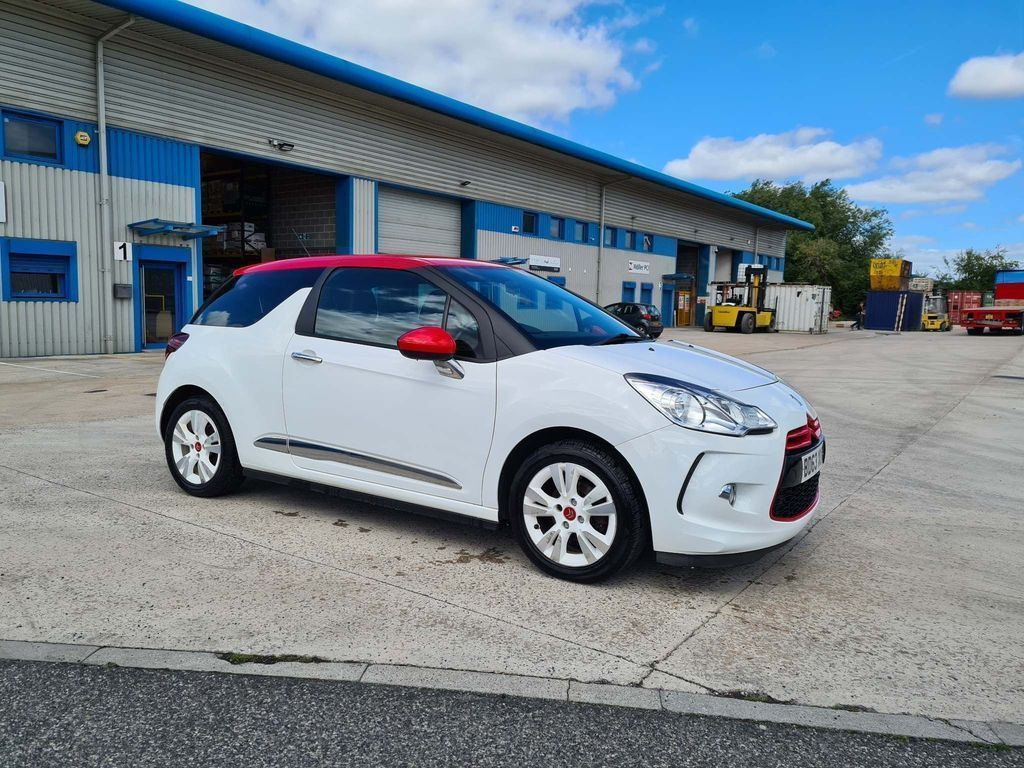 Citroen DS3 Hatchback 1.6 VTi DStyle Red 3dr