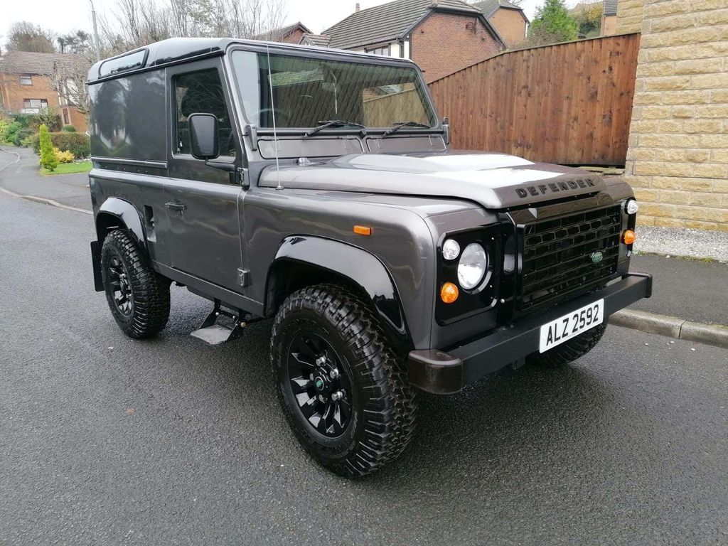 Land Rover Defender 90 Pickup COUNTY PACK HARD TOP
