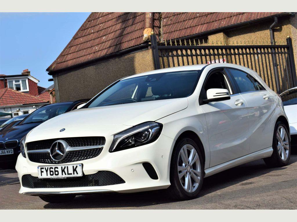Mercedes-Benz A Class Hatchback 1.5 A180d Sport (Premium) (s/s) 5dr