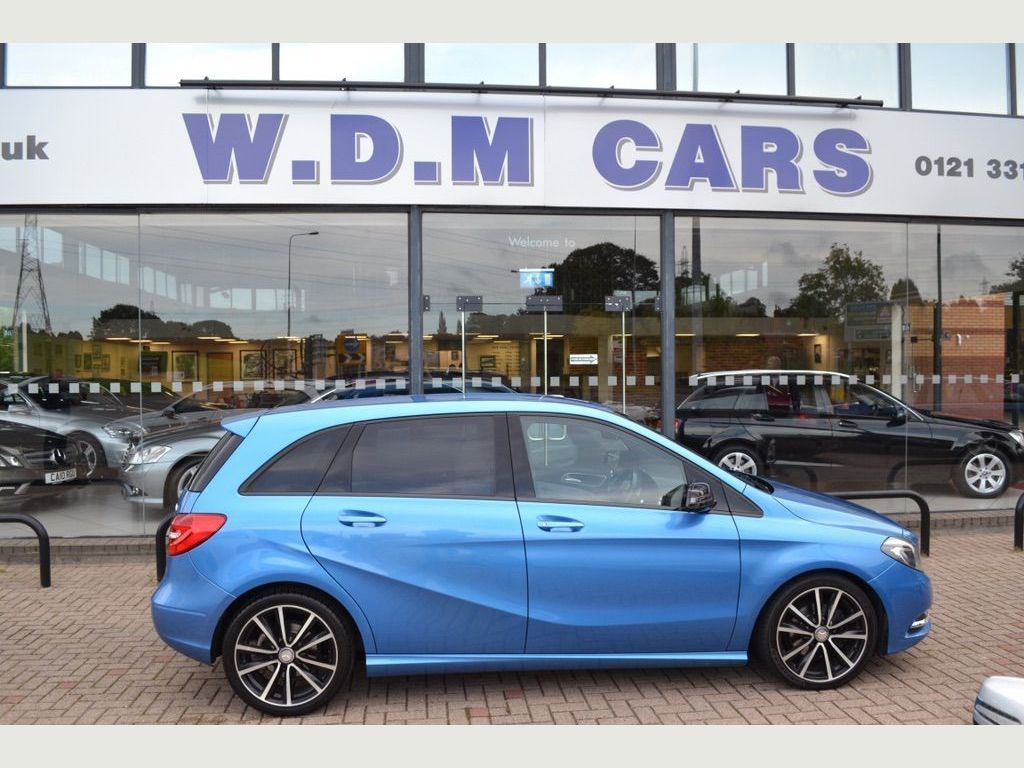 MERCEDES-BENZ B CLASS Hatchback 1.8 B200 CDI BlueEFFICIENCY Sport 7G-DCT (s/s) 5dr
