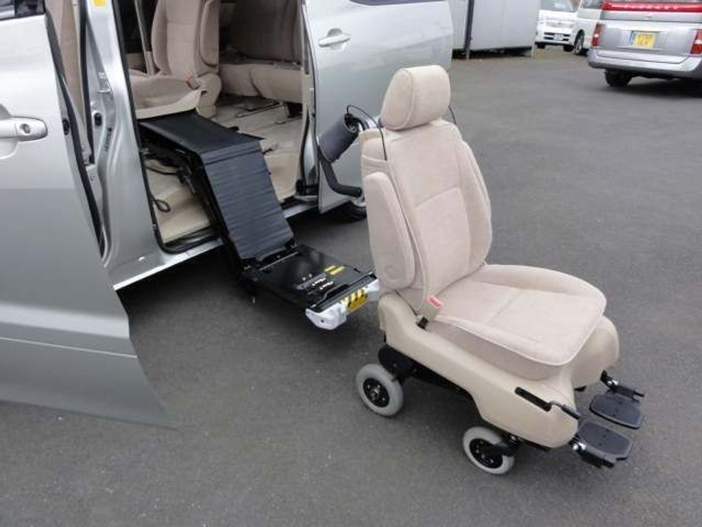 Toyota Alphard MPV WHEELCHAIR DISABLED ACCESS WITH WHEELS
