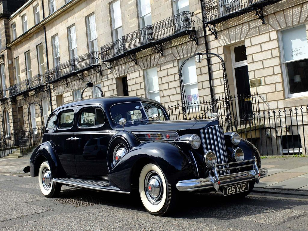 Packard Straight 8 Saloon