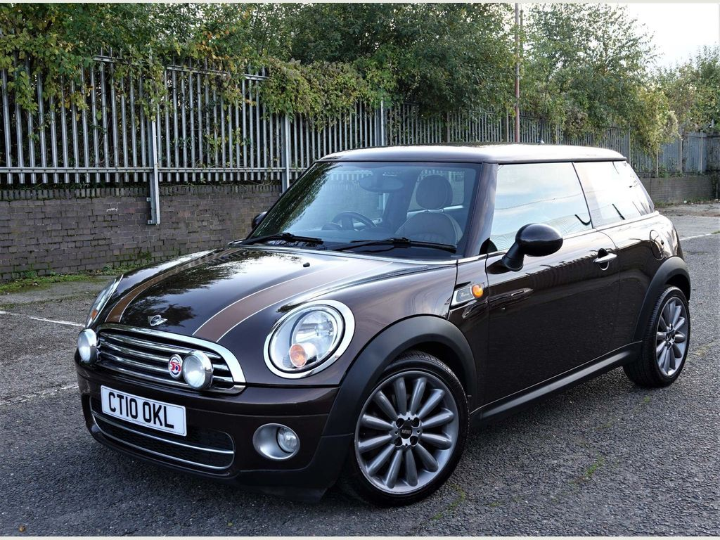 MINI Hatch Hatchback 1.6 Cooper D Mayfair 3dr