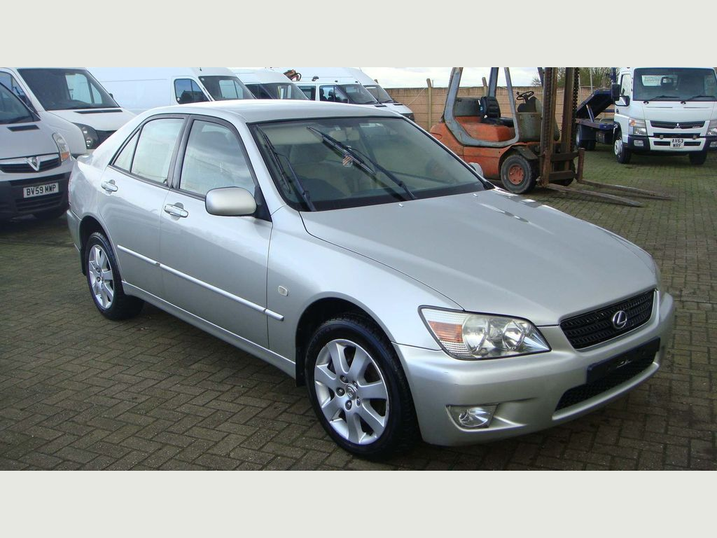 Lexus IS 200 Saloon 2.0 S 4dr
