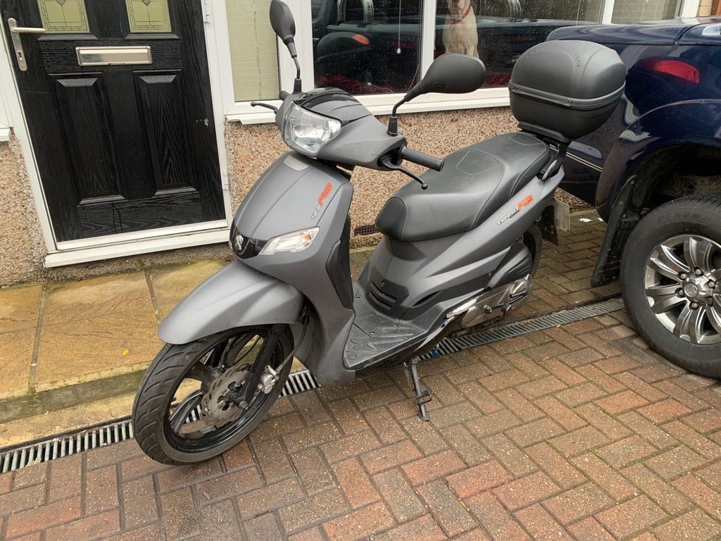 Peugeot Tweet Scooter 125 125 RS