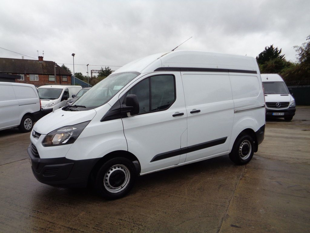 Ford Transit Custom Panel Van 2.2 TDCi 290 L1H2 5dr