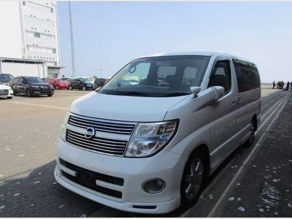 Nissan Elgrand MPV Highway Star Leather Curtains Roof Dvd