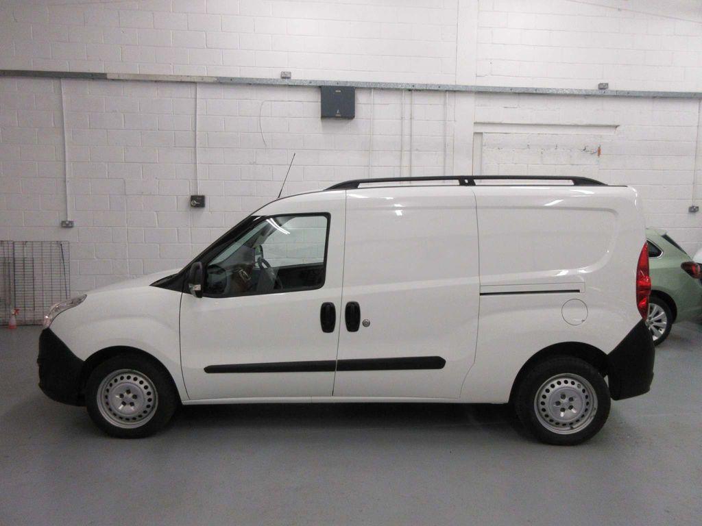 Vauxhall Combo Panel Van 1.3 CDTi 2300 16v Panel Van L2 H1 3dr