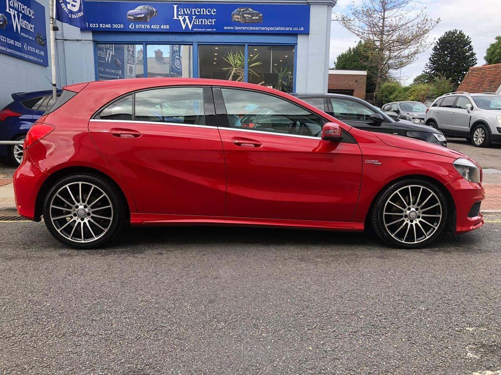 Mercedes-Benz A Class Hatchback 1.6 A200 BlueEFFICIENCY AMG Sport 5dr (Map Pilot)